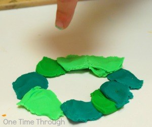 Creating a Plasticine Wreath